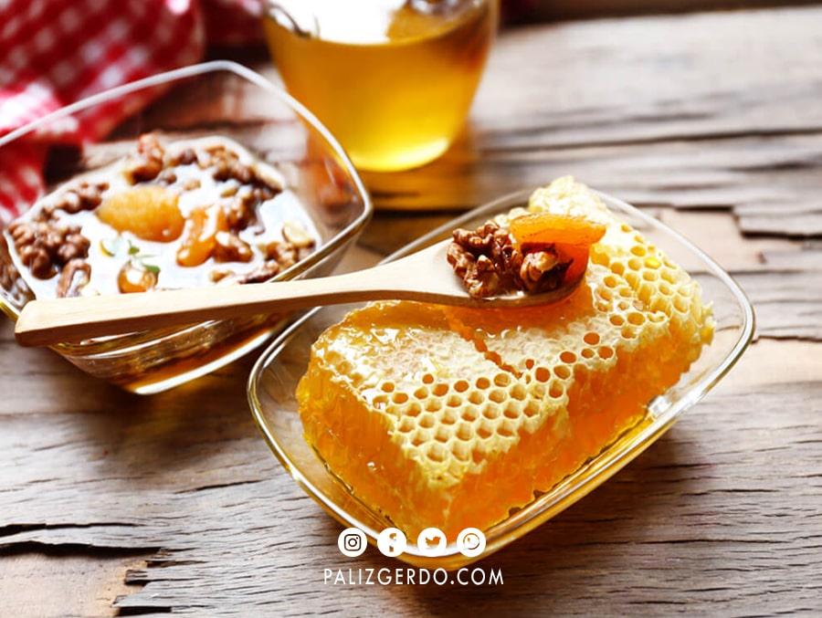 مضرات گردو و عسل