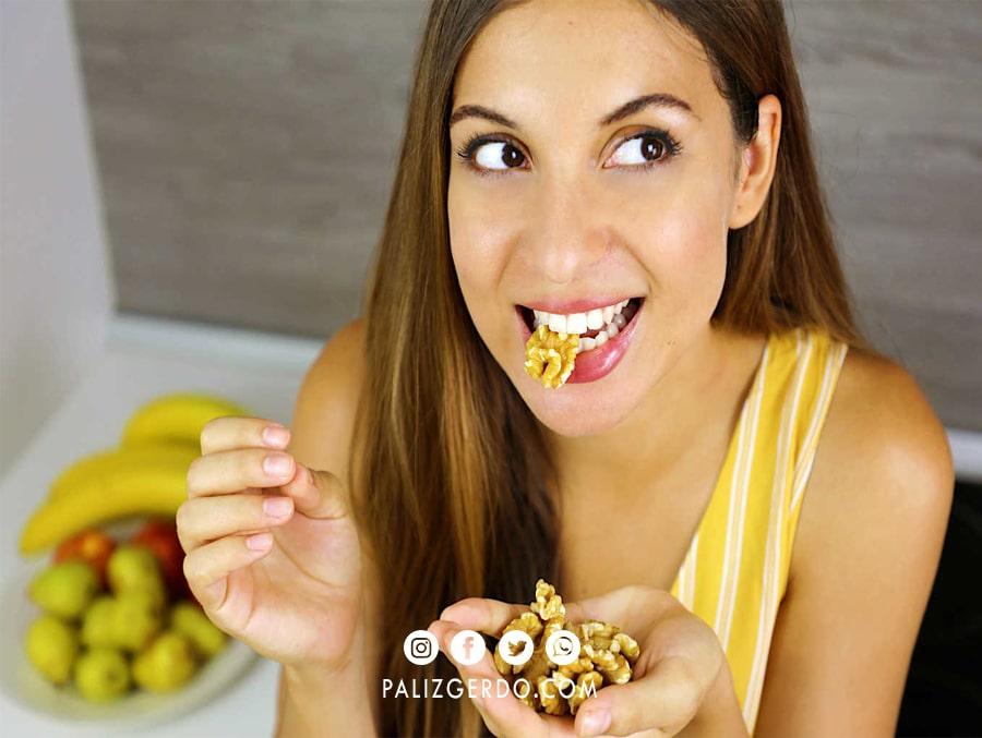 گردو را میتوانید در شکلها و ترکیبات مختلف مصرف کنید